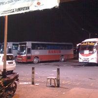 Photo taken at Kuching Bus Terminal by سوفردئ on 4/3/2012