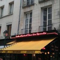 Photo taken at Drôle d'Endroit pour une Rencontre by Patrick Q. on 12/4/2011