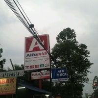 Photo taken at Alfa Midi by inun w. on 8/14/2011