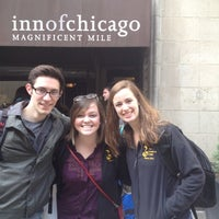 Photo taken at Inn of Chicago by Meghan L. on 4/4/2012