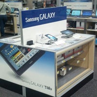 Photo taken at Best Buy by 태진 정. on 8/15/2012