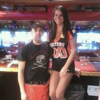 Photo taken at Hooters by Manuel Alejandro T. on 10/15/2011