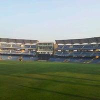 Photo taken at Dr. DY Patil Stadium (डा. डी. वाय. पाटील स्टेडीयम) by Khatri Irfan on 11/11/2011