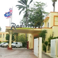 Photo taken at Radisson Fort George Hotel and Marina by Felipe T. on 7/21/2012