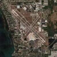 Photo taken at Sarasota-Bradenton International Airport (SRQ) by Looper McNickelback on 7/28/2012