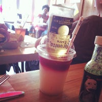 Photo taken at Blockheads Burritos by Hui S. on 7/1/2012
