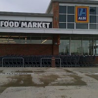 Photo taken at Aldi by Marcina M. on 9/22/2011