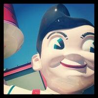 Photo taken at Big Boy by Kat C. on 4/6/2012