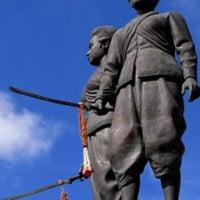Thep Kasatri & Si Sunthon Heroines Monument