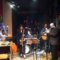 Photo taken at Thelonious, Lugar de Jazz by pergenia on 7/15/2012