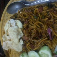 Photo taken at Mie Aceh by Bulann P. on 1/4/2012