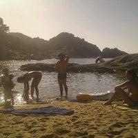 Photo taken at Spiaggia del Cotoncello by Gaetano T. on 9/9/2011