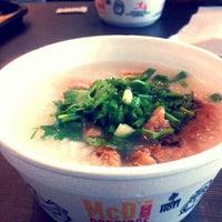 Photo taken at McDonald's & McCafé by Moo N. on 1/30/2012