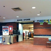 Photo taken at SU Bookstore by David R. on 2/2/2011