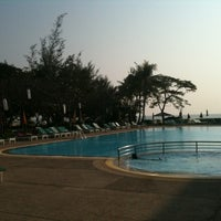 Photo taken at Beach Garden Hotel Cha-am by l3aibai  on 1/3/2011