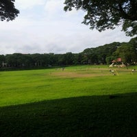 Photo taken at Sunken Garden by Mark Philip T. on 8/21/2012