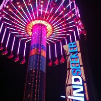 Photo taken at Windseeker by Niki R. on 10/10/2011