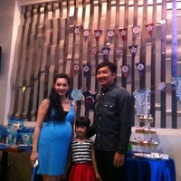 Photo taken at Nuzzy's Mousse and Resto by Keke on 9/1/2012