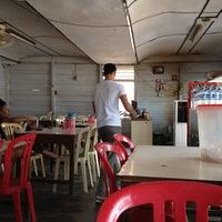 Photo taken at Rumah Makan Uda Salero by Rendra H. on 6/6/2012