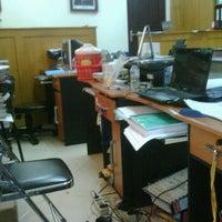 Photo taken at Ruang Proyek SMA Jatim by Andi I. on 3/6/2012