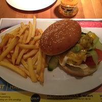 Das Foto wurde bei Café.Restaurant Halle von Mauri L. am 3/8/2012 aufgenommen