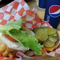Photo taken at Jacksonville Zoo - Trout River Grill by Katie G. on 1/9/2012