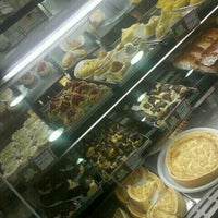 Photo taken at Doce Momento Padaria & Confeitaria by @RCwillian  on 10/4/2011