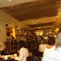 Photo taken at Starbucks by Hirotaka H. on 7/12/2012