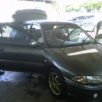 Photo taken at DIC Car Wash by nurhafizul c. on 4/3/2011
