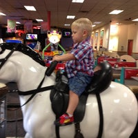 Photo taken at Chuck E. Cheese's by Delcie L. on 8/22/2012