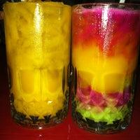 Photo taken at Amat Burger & Jus Buah Gelas Besar by Cidan E. on 2/23/2012