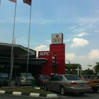 Photo taken at KFC & Pizza Hut Subang 2 by John L. on 4/23/2012
