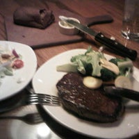 Photo taken at Outback Steakhouse by Eren D. on 7/20/2012