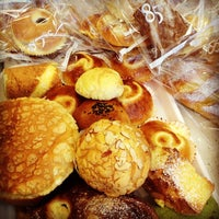 Photo taken at 85°C Bakery Cafe by Dacy Y. on 9/1/2012
