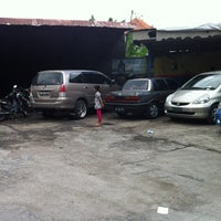 Photo taken at DIV MOTOR Bukit Tampaksiring by Dex S. on 6/30/2012