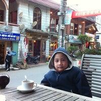 Photo taken at Sapa Coffee Corner by Nghiem H. on 1/27/2012
