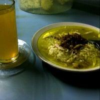Photo taken at Soto Yugisah by Prasodjo H. on 8/28/2012
