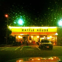 Photo taken at Waffle House by Vandy J. on 2/17/2012