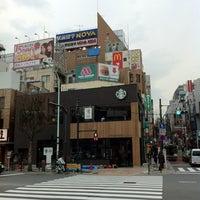 Photo taken at Starbucks by けにえる 八. on 3/22/2012