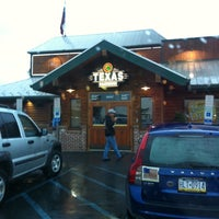 Photo taken at Texas Roadhouse by Laura M. on 10/1/2011