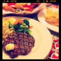 Photo taken at Chili's Grill & Bar by Kinki on 5/26/2012