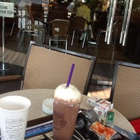 Photo taken at The Coffee Bean & Tea Leaf by SixthSeal on 6/5/2012