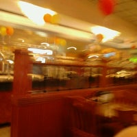 Photo taken at ROYAL BUFFET by Oreeda B. on 5/28/2012