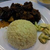 Photo taken at Rafflesia Chicken Hut by Fazlin Natasya A. on 6/18/2012