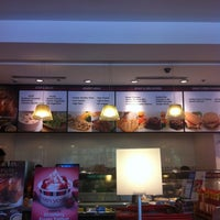 Photo taken at Kenny Rogers Roasters by Eugene A. on 4/19/2012