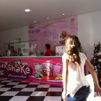 Photo taken at Milkshake & Companhia by Nilson A. on 11/26/2011