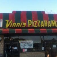 Photo taken at Vinni's Pizzarama by Paris P. on 9/18/2011