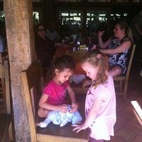 Photo taken at Restaurante Catetinho by Mauricio V. on 7/22/2012