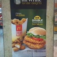 Photo taken at McDonald's by Ultraman™ ♣ Z. on 11/29/2011
