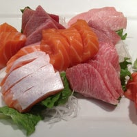 Photo taken at Yuraku Japanese Restaurant by Wee O. on 4/15/2012